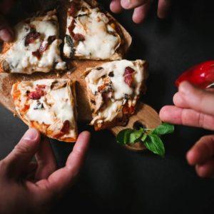 pizza rowne kawalki 300x300